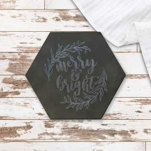merry-and-bright-leafy-wreath-trivet